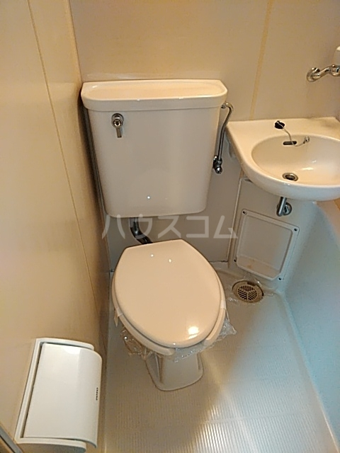 TOP新小岩 301号室のトイレ
