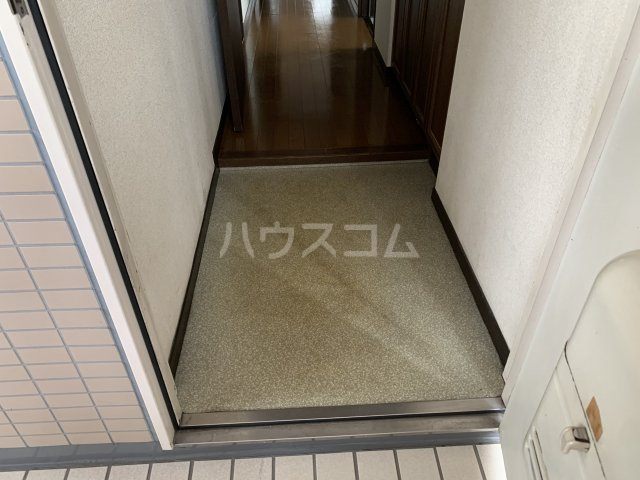 ライオンズガーデン戸塚 201号室の玄関