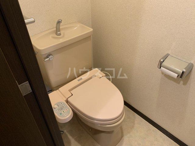 ライオンズガーデン戸塚 201号室のトイレ