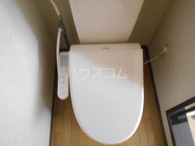 白百合ハイツ 201号室のトイレ