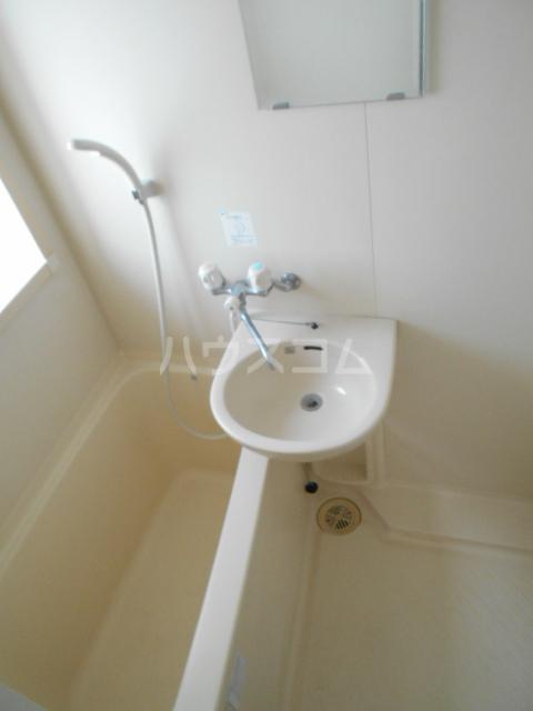エトアール西葛西阿部ビル 403号室の風呂