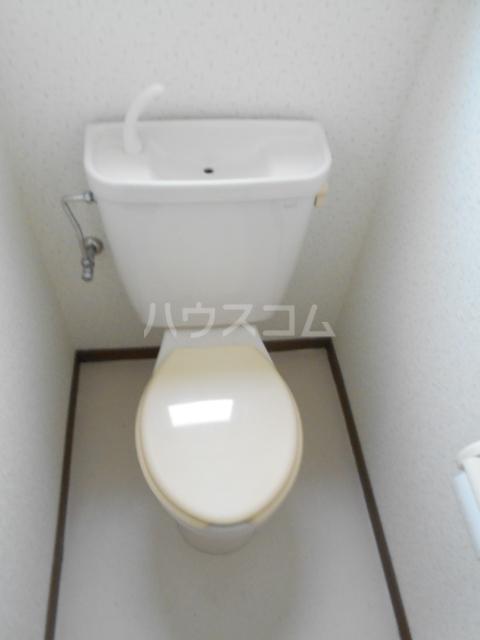 エトアール西葛西阿部ビル 403号室のトイレ