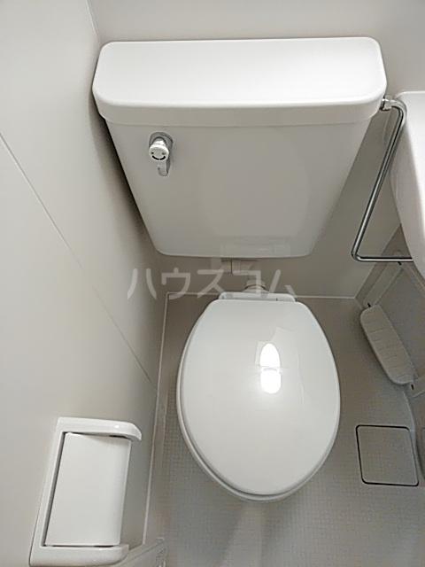 長秀ビル 301号室のトイレ
