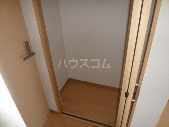 サンイング鎌倉 102号室の収納