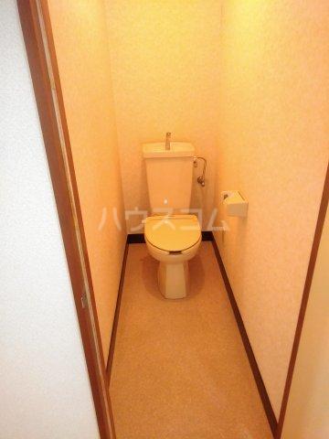 アステール高砂 205号室のトイレ