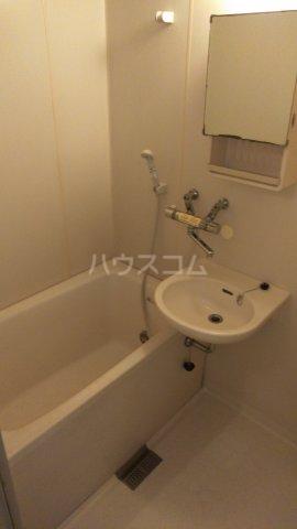 秀宝ビル 203号室の風呂