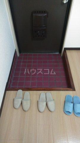 秀宝ビル 203号室の玄関