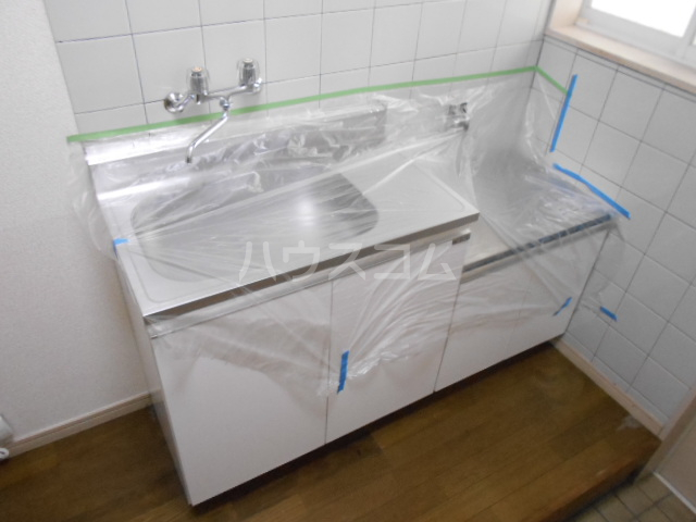 Uハイツ 203号室のキッチン