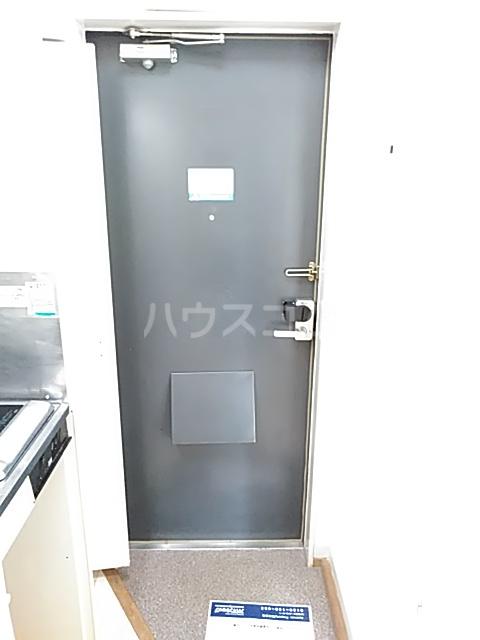 レオパレス小岩 203号室の玄関