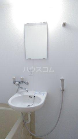 フラット戸塚深谷 204号室の洗面所
