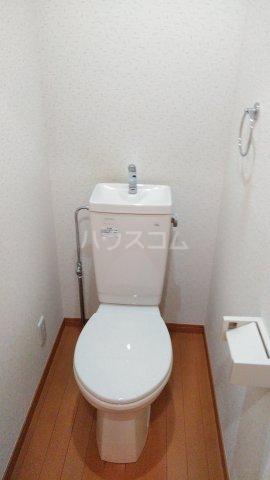 フラット戸塚深谷 204号室のトイレ