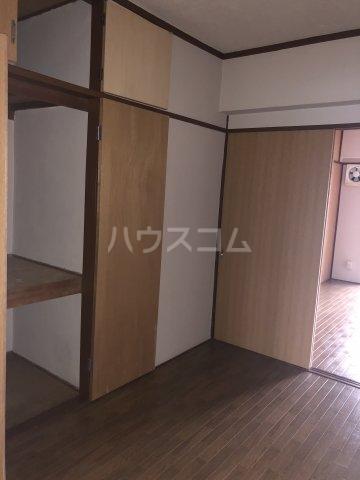 ホワイトビル 303号室のキッチン