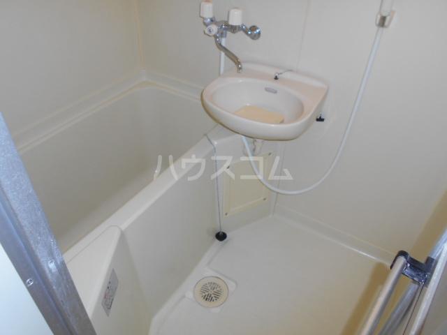 すみれⅢ 202号室の風呂