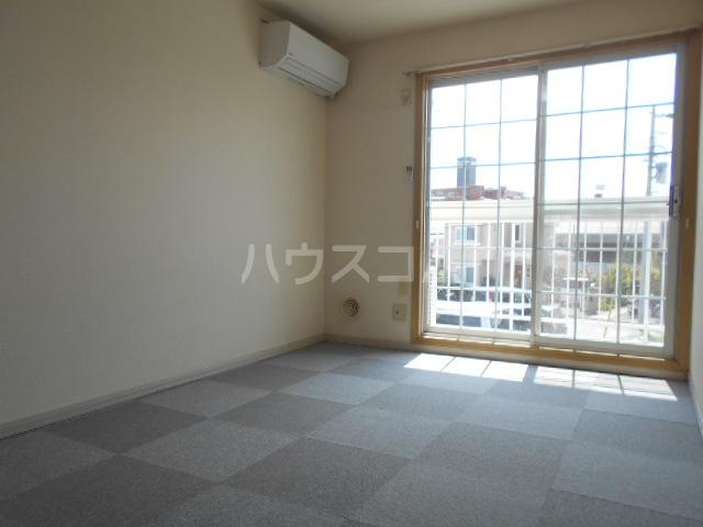 すみれⅢ 202号室のリビング