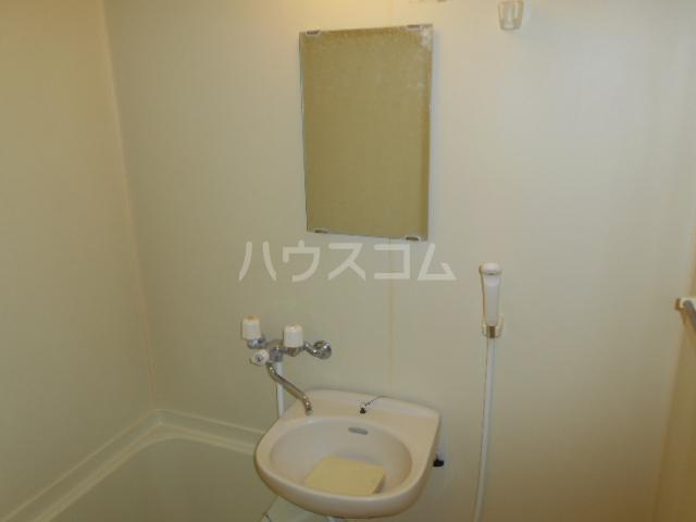 すみれⅢ 202号室の洗面所