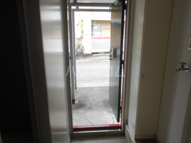 すみれⅢ 103号室の玄関