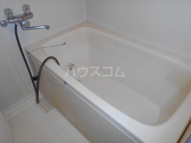 アドバンテージヴィラ岡津 201号室の風呂