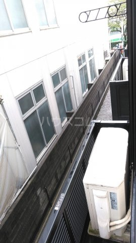 レオパレスウェール 205号室のバルコニー
