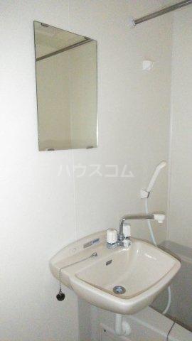 レオパレスウェール 205号室の洗面所