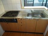 ガーデンパレス富士 302号室のキッチン