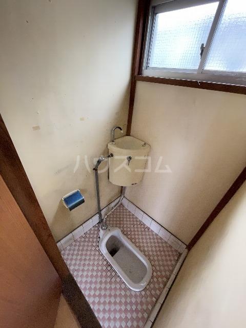 卯月荘 6号室のトイレ