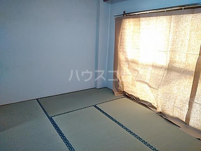 鎌倉スカイマンション 302号室の居室