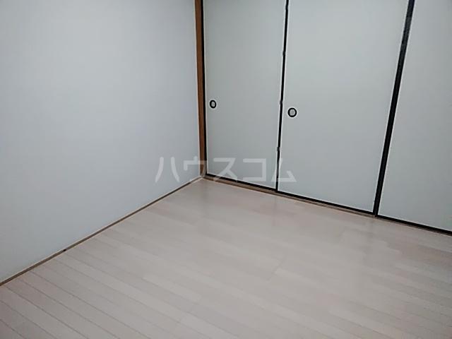 鎌倉スカイマンション 302号室のリビング