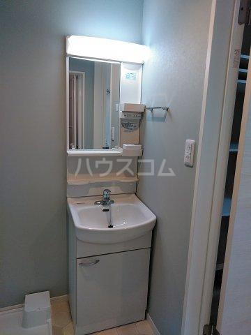 GlanzWood墨田 101号室の洗面所