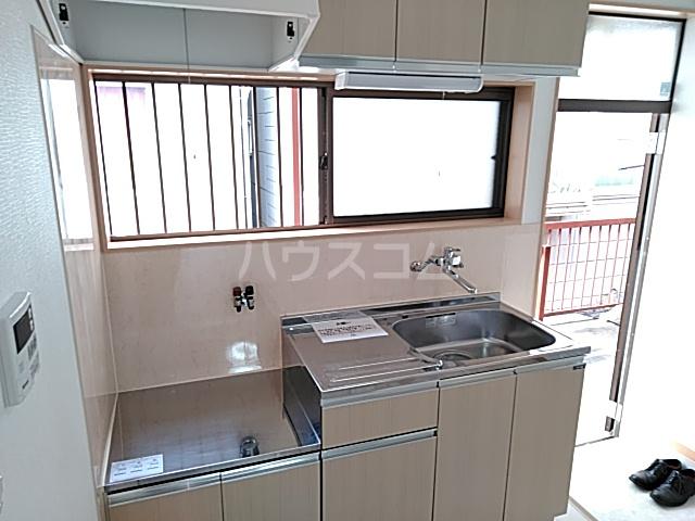 KMハイツ 201号室のキッチン
