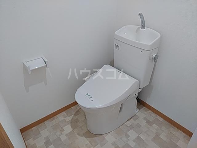 KMハイツ 201号室のトイレ