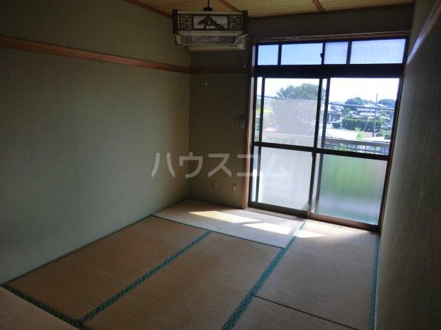 オオツキアパート 302号室の居室