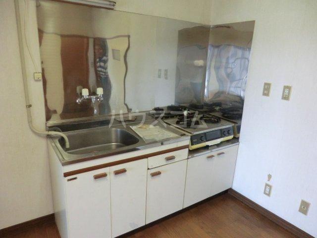オオツキアパート 302号室のキッチン