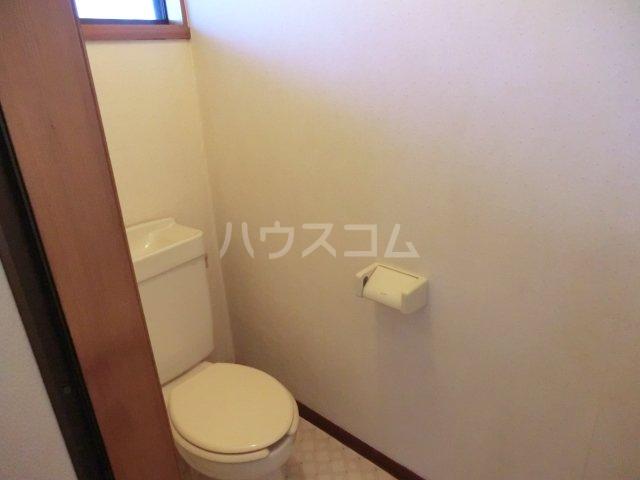 オオツキアパート 302号室のトイレ