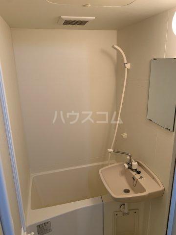 ハーミット横浜 101号室の風呂