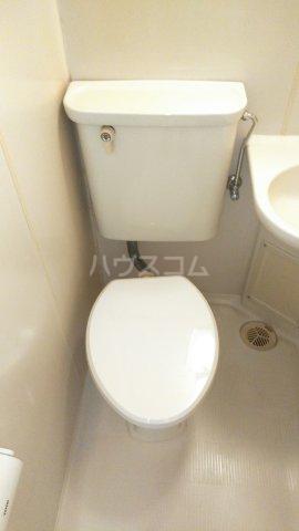 ウィンベルソロ新小岩第2 406号室のトイレ