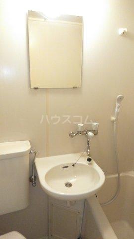 ウィンベルソロ新小岩第2 406号室の洗面所