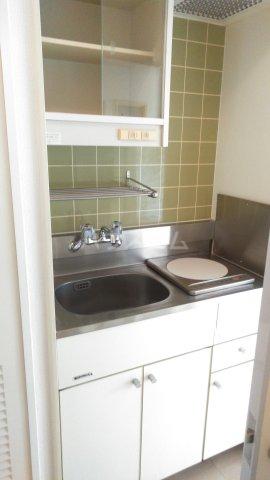 ウィンベルソロ新小岩第2 506号室のキッチン