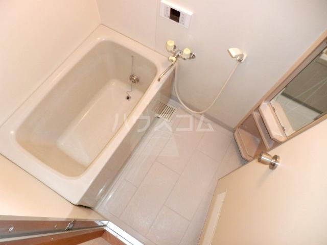 コーポハマ氷川 202号室の風呂