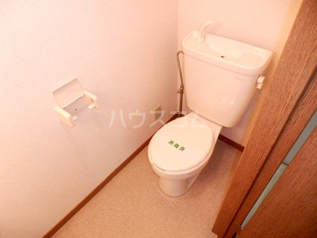 コーポハマ氷川 202号室のトイレ