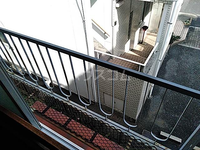 フラットハラ1 202号室のバルコニー