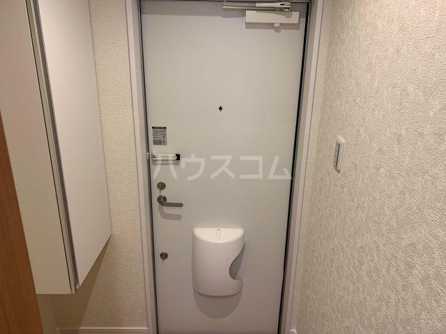ファインホース白百合 202号室の玄関