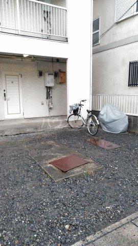 ガーデナハイツ 201号室の駐車場
