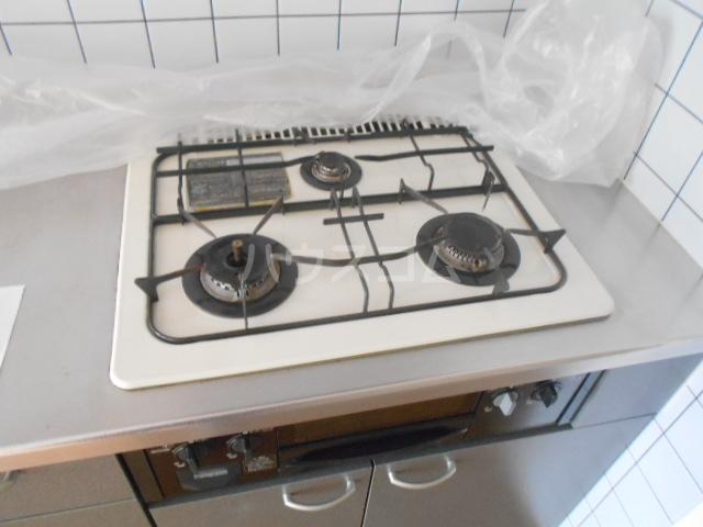 藤ロイヤル 411号室のキッチン
