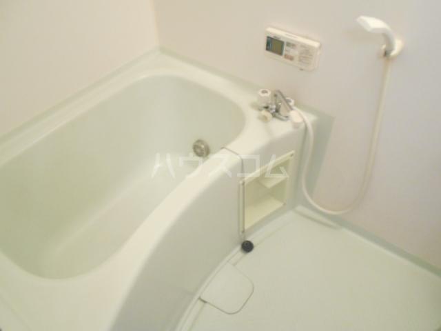 ヴィラネル東姫宮A 201号室の風呂