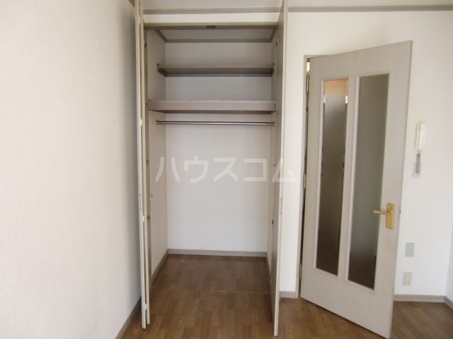 リバーサイド斉藤 202号室の収納