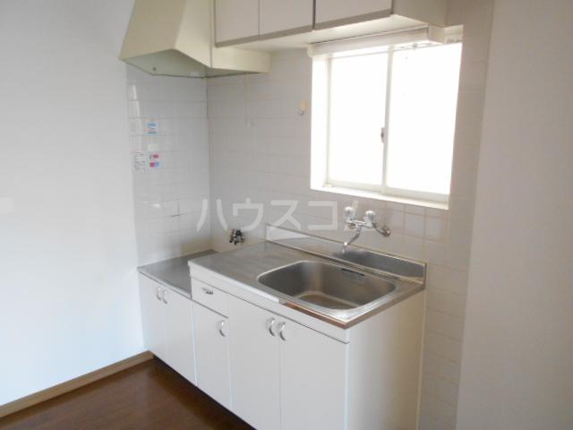 サンハイム B 202号室のキッチン