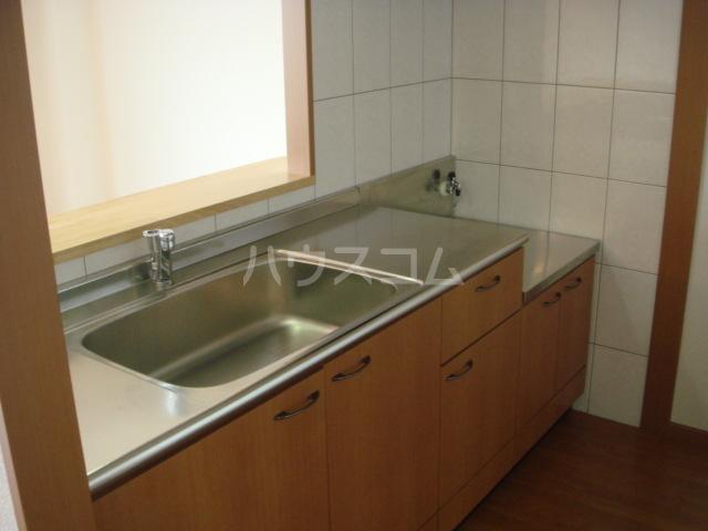 パルティール横濱 505号室のキッチン
