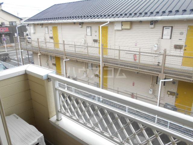 ヴィラネル東姫宮B 201号室のバルコニー