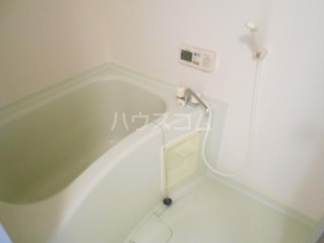 ヴィラネル東姫宮B 201号室の風呂