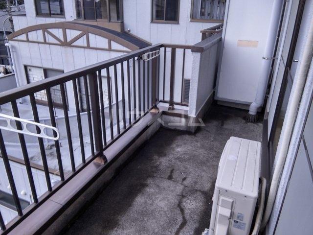 グランベールヨシミ 302号室のバルコニー